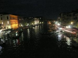 Grand Canal malam hari