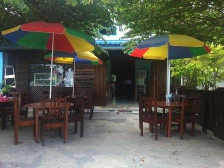 Warung makan di Derawan