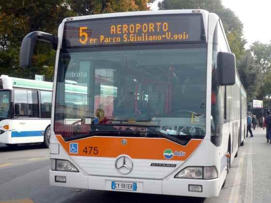Shuttle Bus dari Piazzale Roma ke bandara Venice Marco Polo